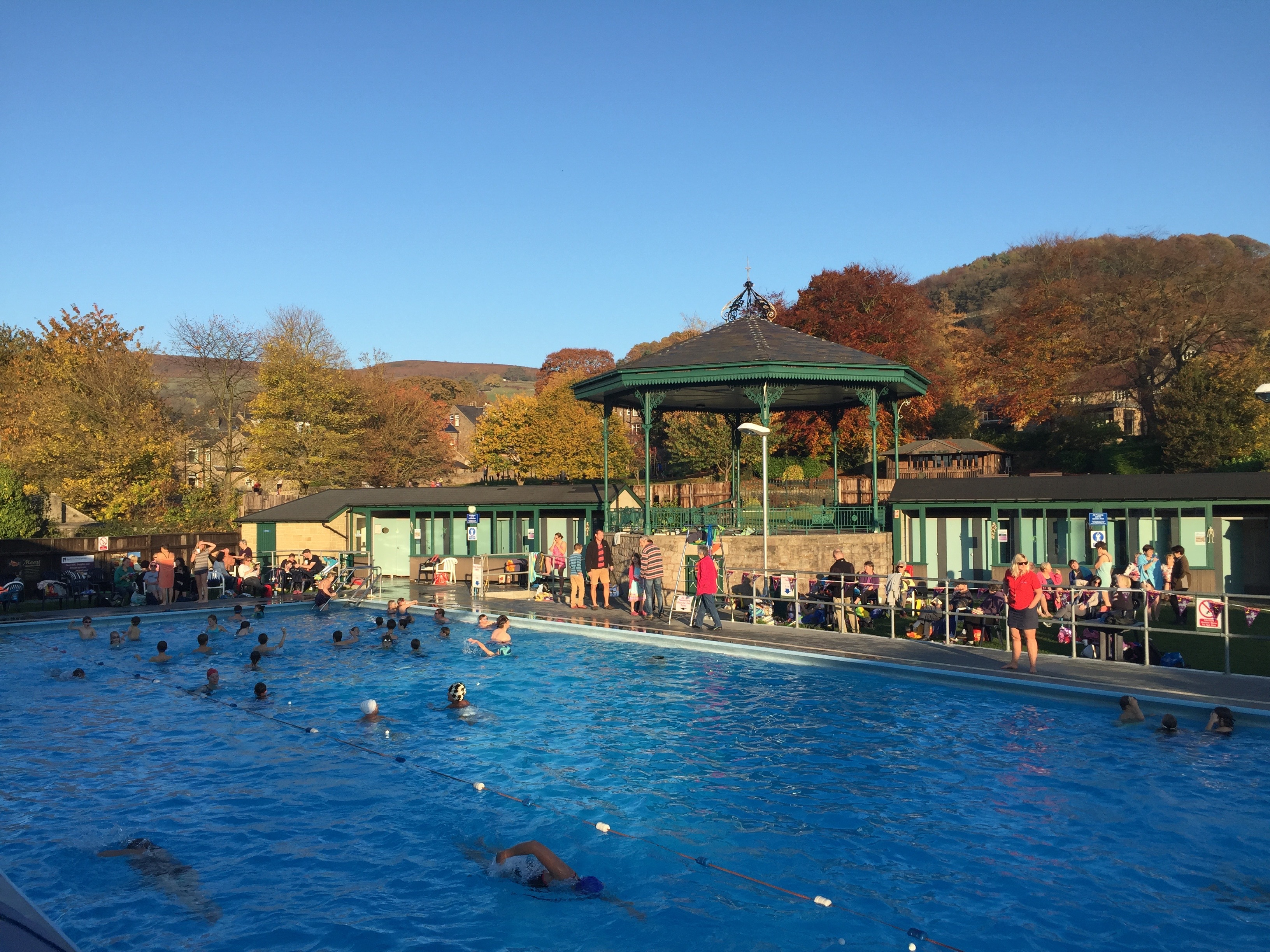 Hathersage swimming pool 2015 heated season come to a for Swimming pool show uk
